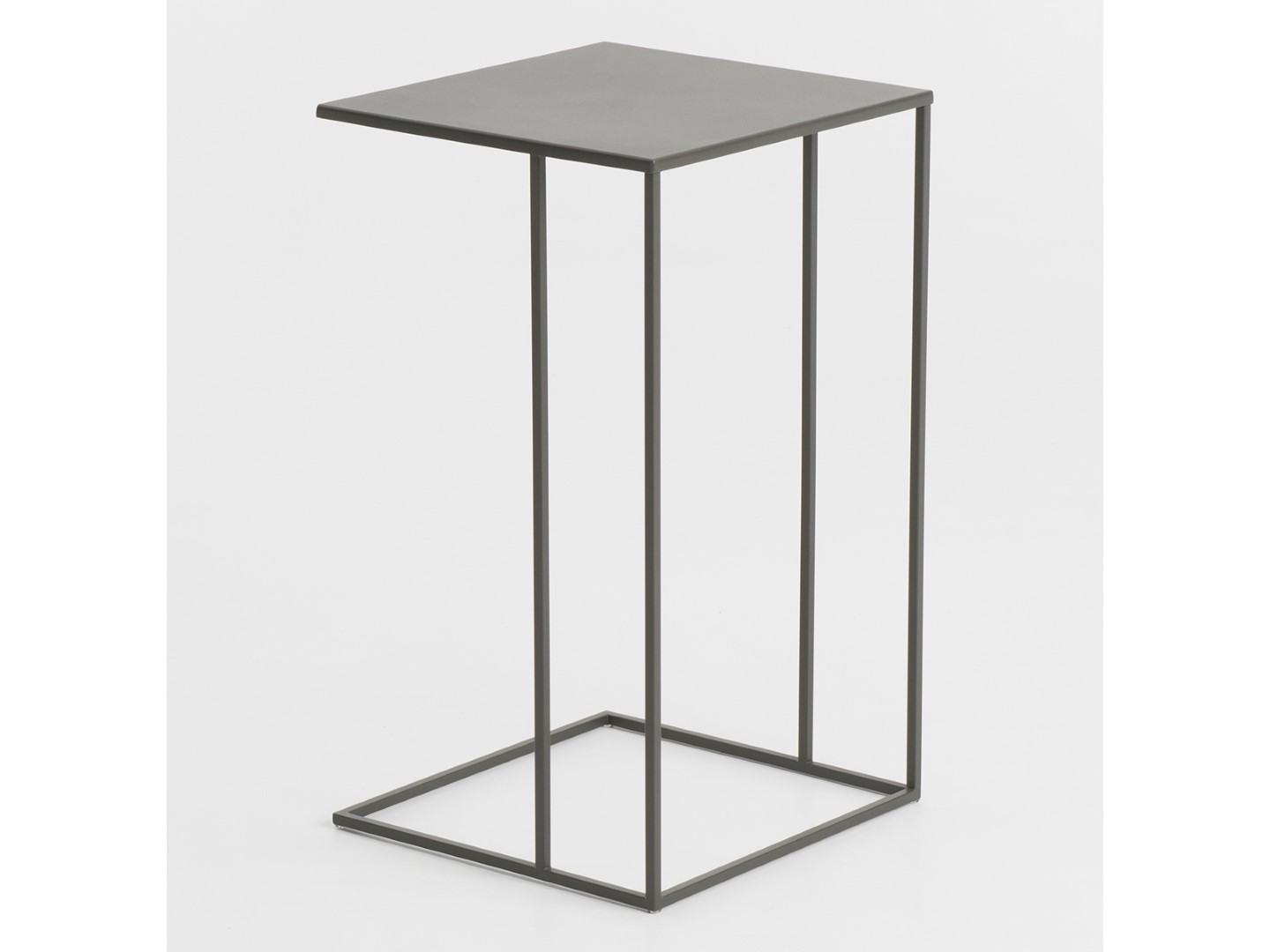 Wireless metal side table bert plantagie