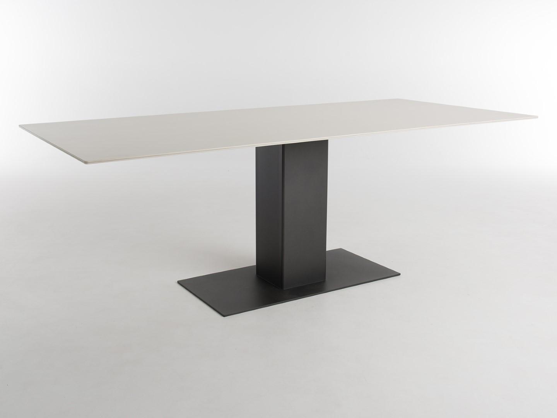 shelter keramik tisch bert plantagie. Black Bedroom Furniture Sets. Home Design Ideas